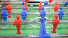 Fußballspielzeug-Sportfeld, modernes Fußballspiel, stock footage