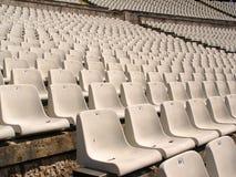 Fußballstadionstühle Stockfoto