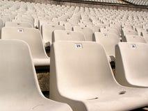 Fußballstadionstühle Stockfotografie