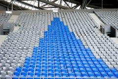 Fußballstadionstandplätze Stockfoto