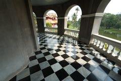 Fußboden mit Retro- checkered Muster Lizenzfreie Stockfotos