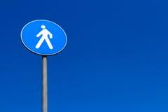 Fußgängerübergang des Zeichens Stockfoto