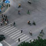 Fußgänger auf dem Bürgersteig 02 Stockbild