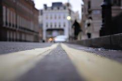 Fußgänger auf der Straße Lugsmoor, London Stockfotografie