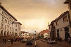Fußgängergasse bis zum Nacht mit alter Steinwand in Cusco, berühmtem Reiseziel in Peru und einem von den die meisten lizenzfreie stockfotos