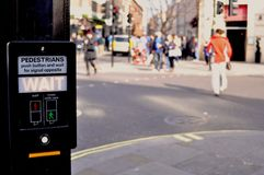 Fußgängerwartezeitzeichen Stockfotografie