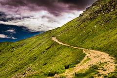Fußweg auf Pendle-Hügel stockbild