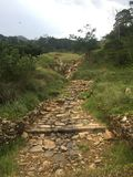Fußweg mit Berg Lizenzfreie Stockfotos