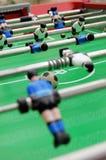 Fußballtabelle und -spieler Stockbilder