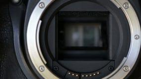 Fucilazione continua, tendine nella macchina fotografica Fine in su video d archivio