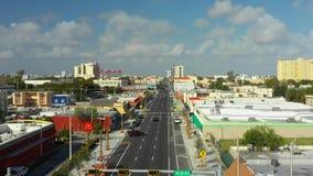 Fuco che pilota l'ottava via di Miami Florida archivi video