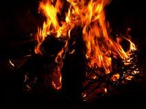 Fuego ardiente del campo Imagenes de archivo