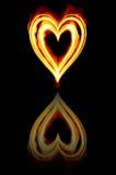 fuego ardiente del corazón de las tarjetas del día de San Valentín Imágenes de archivo libres de regalías