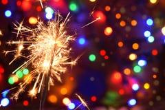 Fuego artificial chispeante de la noche del Año Nuevo Imágenes de archivo libres de regalías