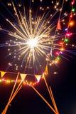 Fuego artificial del parque de atracciones de la Feliz Año Nuevo brillante Imagen de archivo libre de regalías