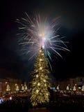 Fuego artificial del ` s Eve del Año Nuevo Imagen de archivo