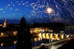 Fuego artificial en el río Loira en Francia fotos de archivo libres de regalías