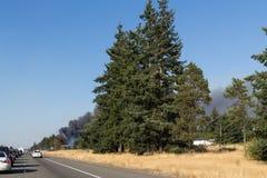 Fuego bajo al sur de Olympia Washington imagenes de archivo