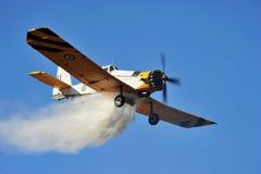 Fuego bajo de la escala de la isla de Zakynthos en volimes el 3 de julio de 2013, Grecia Imagenes de archivo