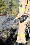 Fuego bajo de la escala de la isla de Zakynthos en volimes el 3 de julio de 2013, Grecia Fotos de archivo