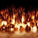 Fuego con la reflexión Fotos de archivo libres de regalías