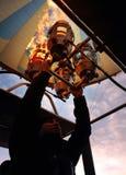 Fuego de bombeo experimental del globo del aire caliente para aplicar el aire caliente en el globo incombustible imagenes de archivo