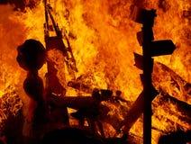 Fuego de Fallas que quema en el fest de Valencia en el 19 de marzo Foto de archivo libre de regalías