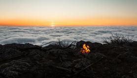 Fuego de la salida del sol Fotos de archivo libres de regalías