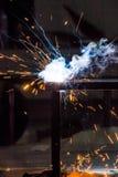 Fuego del acero de la soldadura foto de archivo libre de regalías