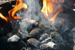 Fuego del carbón de leña Fotografía de archivo libre de regalías