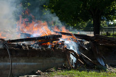 Fuego del edificio Fotos de archivo libres de regalías