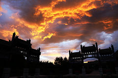 Fuego en el cielo imagen de archivo