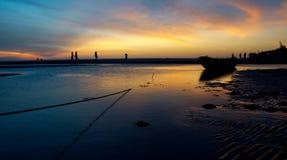Fuego en el cielo, puesta del sol brasileña de la playa Imagen de archivo libre de regalías