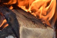 Fuego en el lugar del fuego imagen de archivo libre de regalías
