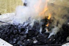 Fuego en fragua fotos de archivo libres de regalías