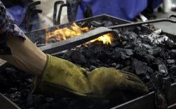 Fuego en la fragua foto de archivo libre de regalías