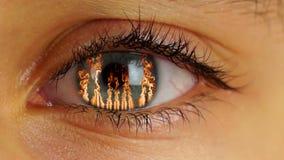 Fuego en ojo humano metrajes