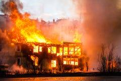 Fuego en una casa Fotografía de archivo libre de regalías