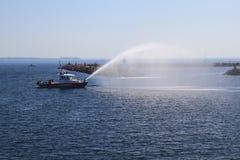 Fuego Kingston Rescue Ship que comprueba los armas de agua Imagen de archivo libre de regalías