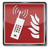 Fuego, llamada de emergencia y teléfono móvil Fotografía de archivo libre de regalías