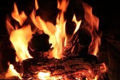 Fuego para el braai o el Bbq Foto de archivo