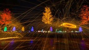 Fuego que hace girar de las lanas de acero Fotografía de archivo libre de regalías