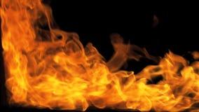 Fuego que sopla del ejecutante del fuego de la derecha almacen de metraje de vídeo