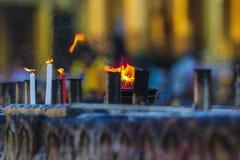 Fuego ritual en la pagoda Imagen de archivo