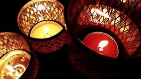 Fuego romántico y místico de la luz de la vela metrajes