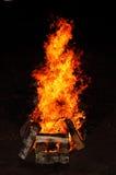Fuego salvaje de la barbacoa Fotos de archivo