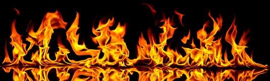 Fuego y llamas ilustración del vector