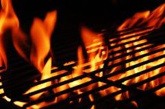 Fuego y parrilla fotografía de archivo