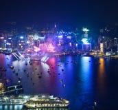 Fuegos artificiales 2013 de la cuenta descendiente de Hong Kong Foto de archivo