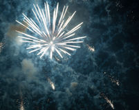2017 fuegos artificiales Imágenes de archivo libres de regalías